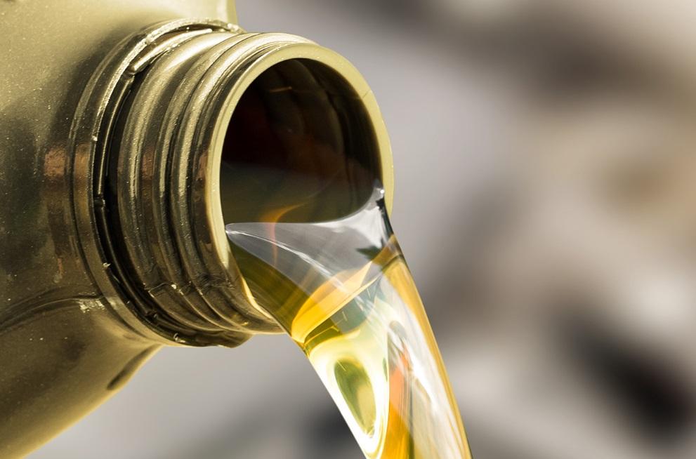 de l'huile moteur